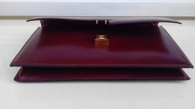 Exceptionnal Rare Vintage Hermès Padlock Purse Clutch Bag Burgundy Leather Ghw For Sale 9