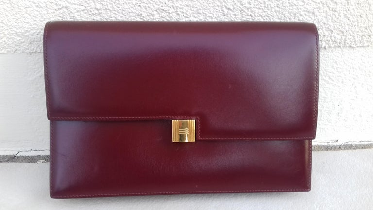 Exceptionnal Rare Vintage Hermès Padlock Purse Clutch Bag Burgundy Leather Ghw For Sale 11