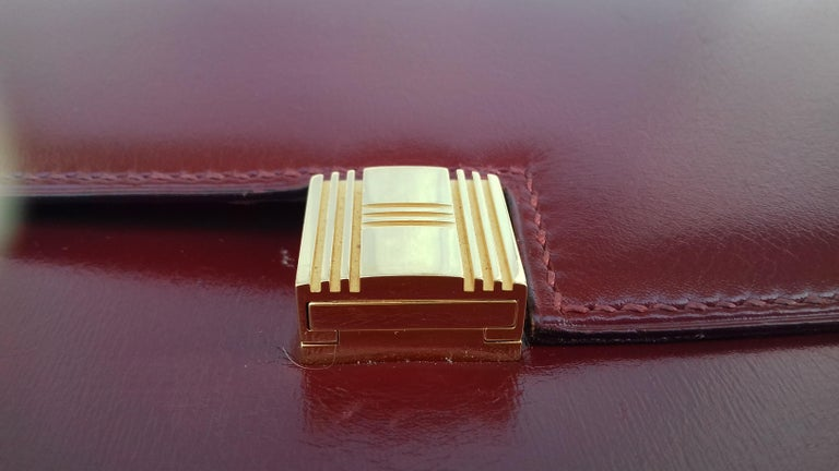 Women's Exceptionnal Rare Vintage Hermès Padlock Purse Clutch Bag Burgundy Leather Ghw For Sale