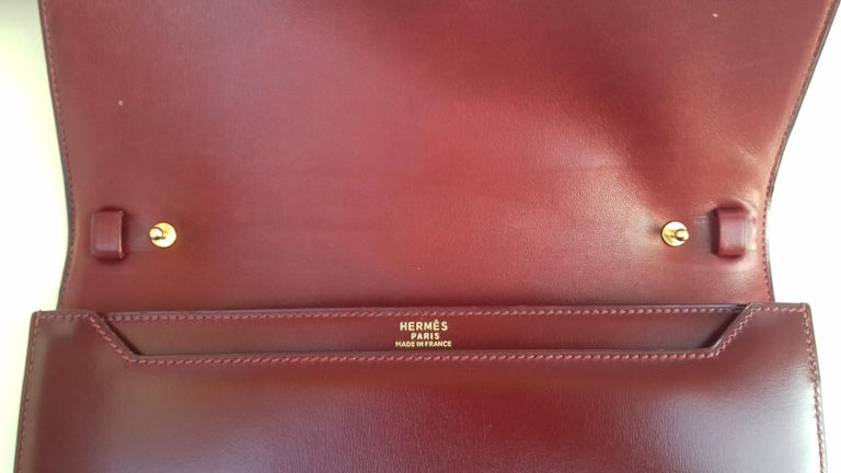 Exceptionnal Rare Vintage Hermès Padlock Purse Clutch Bag Burgundy Leather Ghw For Sale 3