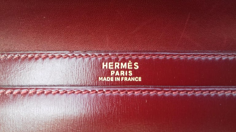 Exceptionnal Rare Vintage Hermès Padlock Purse Clutch Bag Burgundy Leather Ghw For Sale 4