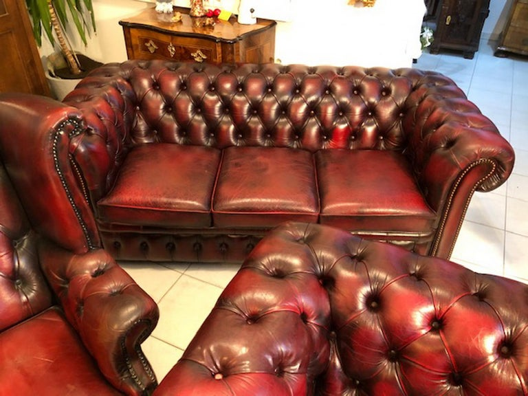 Hand-Crafted Exclusive Chesterfield Living Room Set in Antique Red Leather For Sale