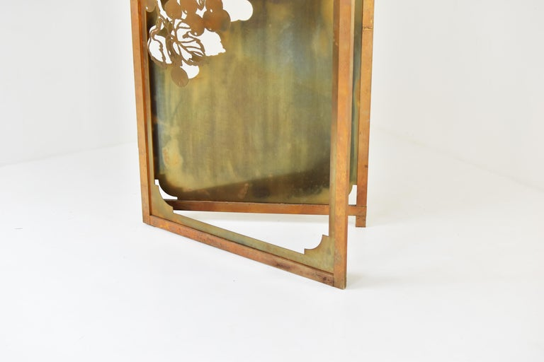 Exclusive decorative folding screen designed for Belgian fashion designer Dries Van Noten in the 1980's. A limited edition of 11 screens where made and exclusively here for sale. Each screen is custom made and unique shaped. Made out of laser-cut