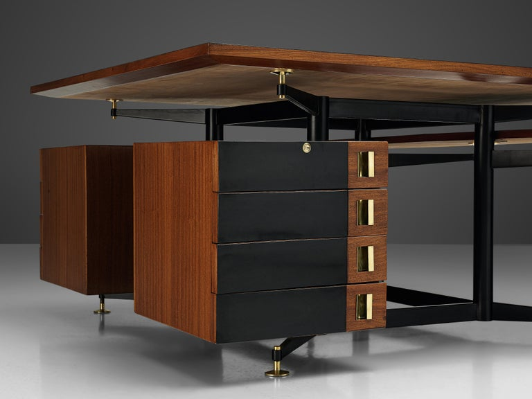 Exclusive Italian Double Desk in Italian Walnut For Sale 1