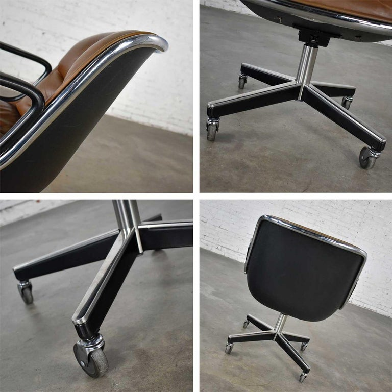 Executive Armchair by Charles Pollock for Knoll Brown Leather with 4 Prong Base For Sale 9