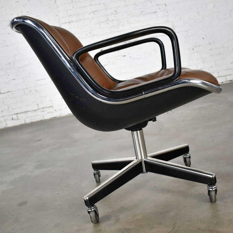 Aluminum Executive Armchair by Charles Pollock for Knoll Brown Leather with 4 Prong Base For Sale
