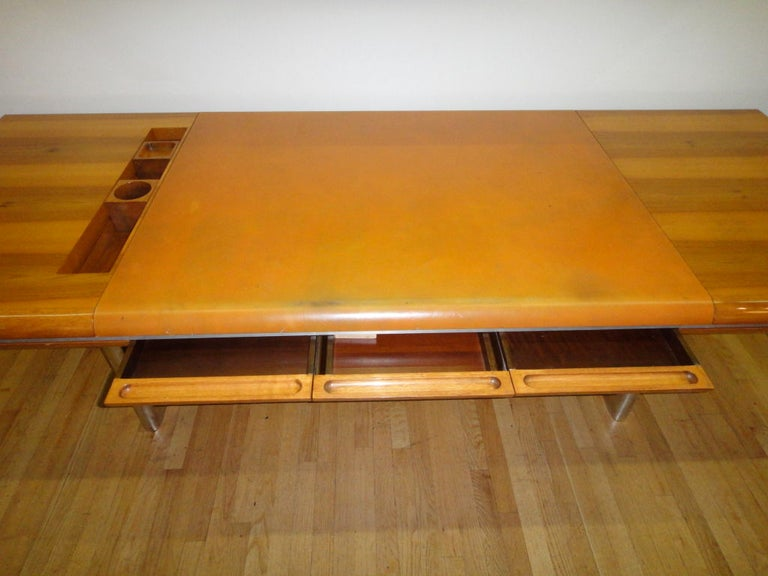 Executive Desk by Hans von Klier for Skipper Italian, circa 1970 For Sale 2