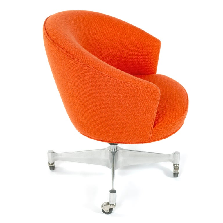 Mid-Century Modern 1960s Executive Desk Chair by George Nelson For Sale