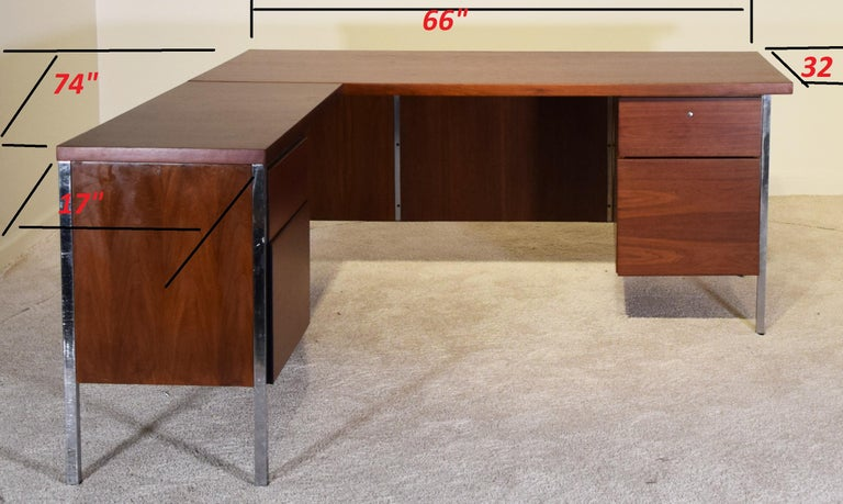 Custom produced for by Knoll circa 1963 for IBM Headquarters. Measures: 66