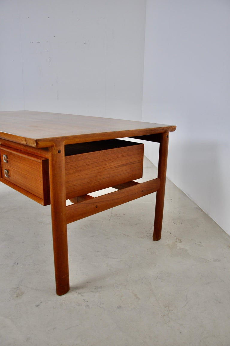 Executive Teak Desk by Arne Vodder for Sibast, 1965 In Good Condition For Sale In Lasne, BE