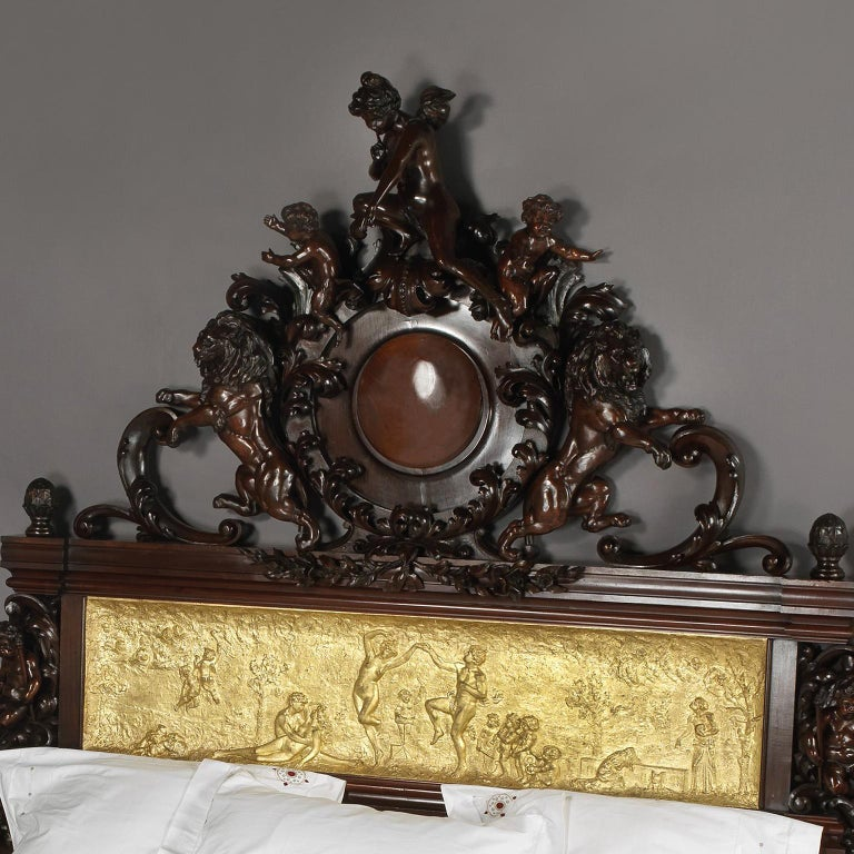 Exhibition Austrian Neo-Baroque Carved Mahogany Bed, circa 1890 In Good Condition For Sale In London, GB