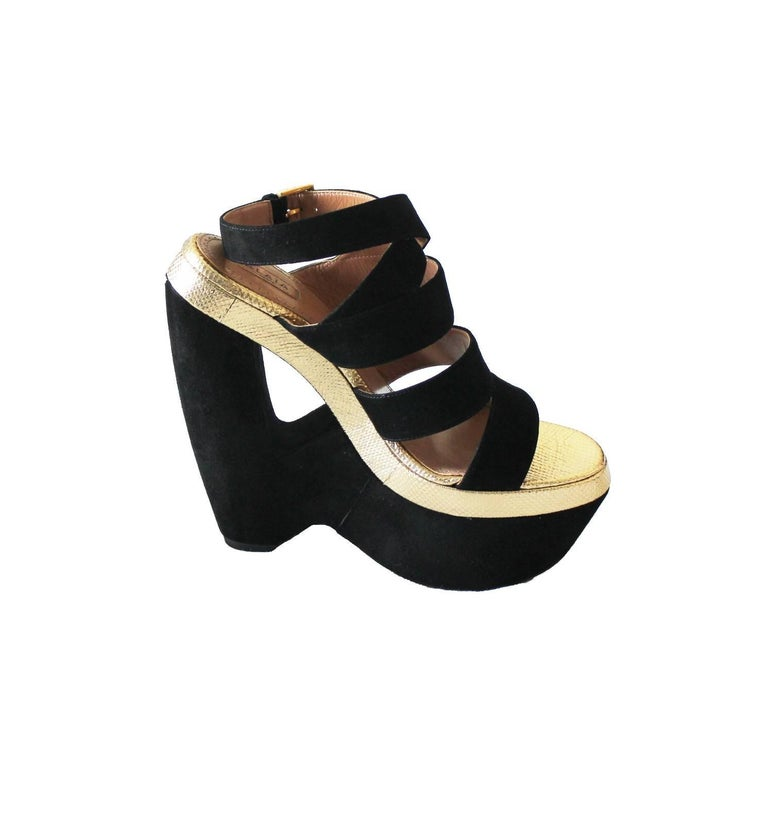 Exotic Alaia Black Suede Golden Lizard Skin Cutout Wedges In New Condition For Sale In Switzerland, CH