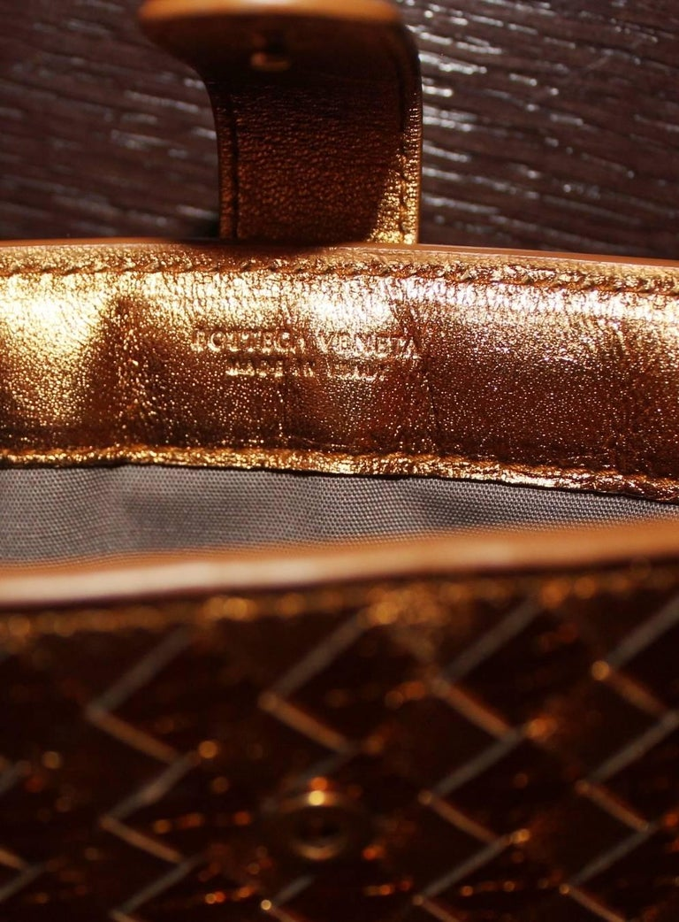 Women's or Men's NEW Bottega Veneta Exotic Skin Metallic Intrecciato Ayers Oro Bruciato Ipad Case For Sale