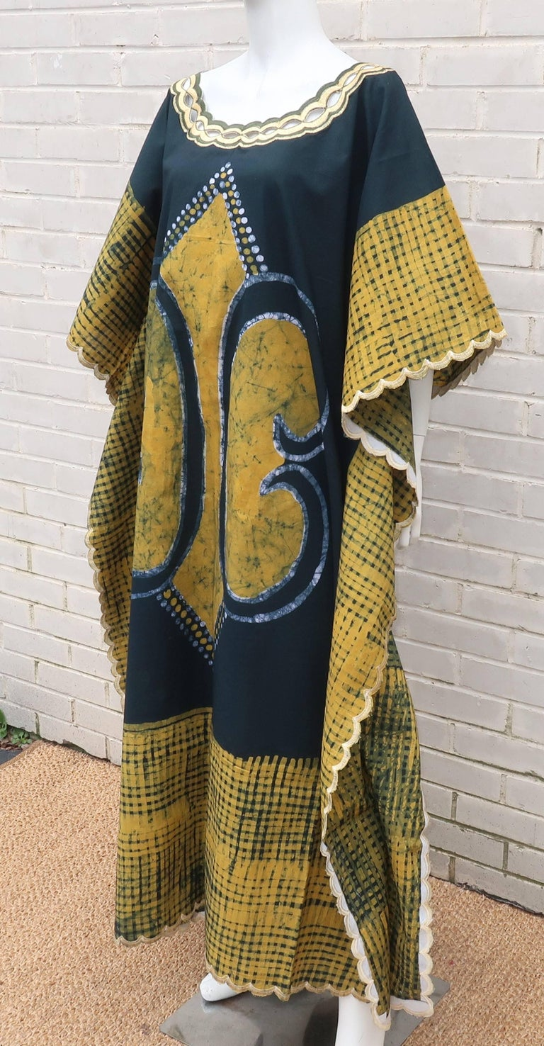 Women's Blue and Yellow Vintage Batik Caftan Lounger For Sale