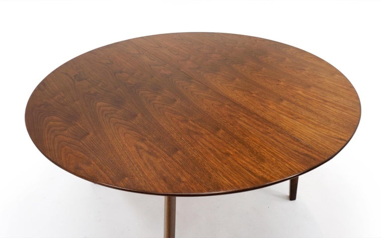 Mid-Century Modern Expandable Dining Table by Edward Wormley for Dunbar, Almost Round to Oval For Sale
