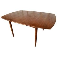 Expandable dining table by OC Ausen Mobelfabrik