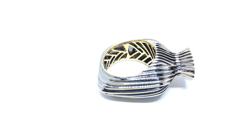 Experience Thin Air Zone with Brown Diamond Yellow Gold Fashion Ring In New Condition For Sale In NEW DELHI, IN