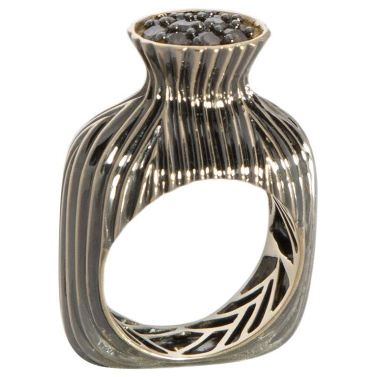 Experience Thin Air Zone with Brown Diamond Yellow Gold Fashion Ring For Sale