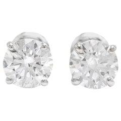 Exquisite 0.60 Carat Natural Diamond 14 Karat Solid White Gold Stud Earrings