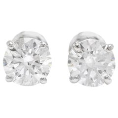 Exquisite 0.95 Carat Natural Diamond 14 Karat Solid White Gold Stud Earrings