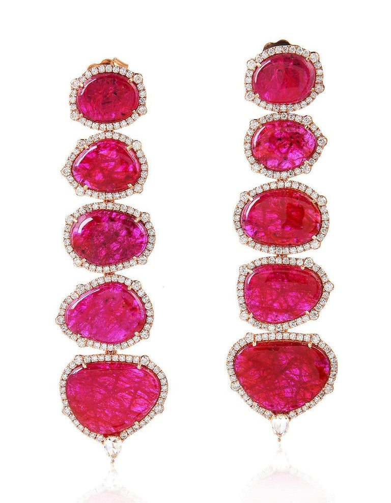 Exquisite 18 Karat Gold 29.98 Carat Ruby Diamond Earrings In New Condition For Sale In Hoffman Estate, IL