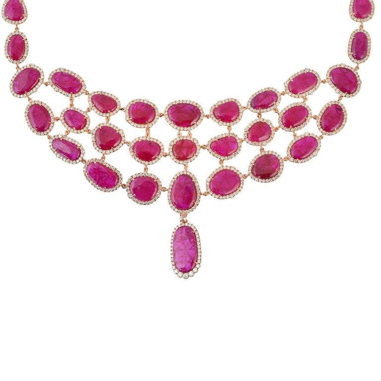 Contemporary Exquisite 18 Karat Gold 59.59 Carat Ruby Diamond Choker Necklace For Sale