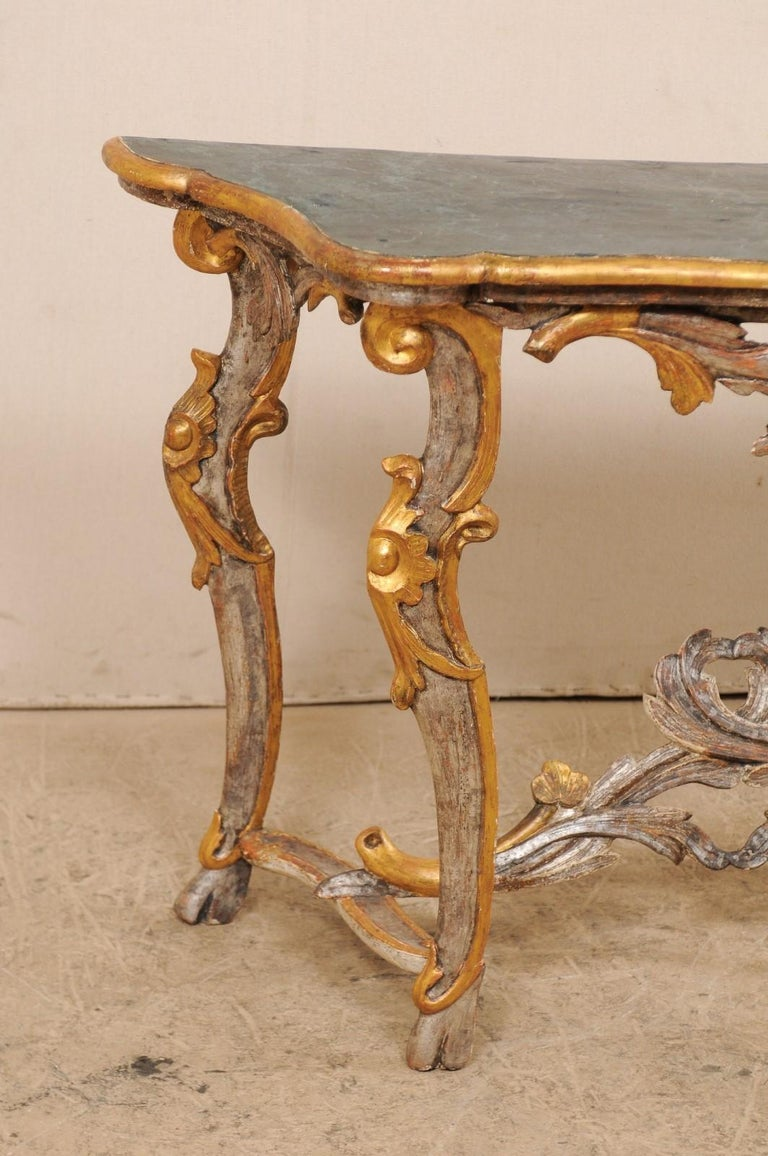Exquisite 19th Century Italian Carved and Giltwood Console Table For Sale 1