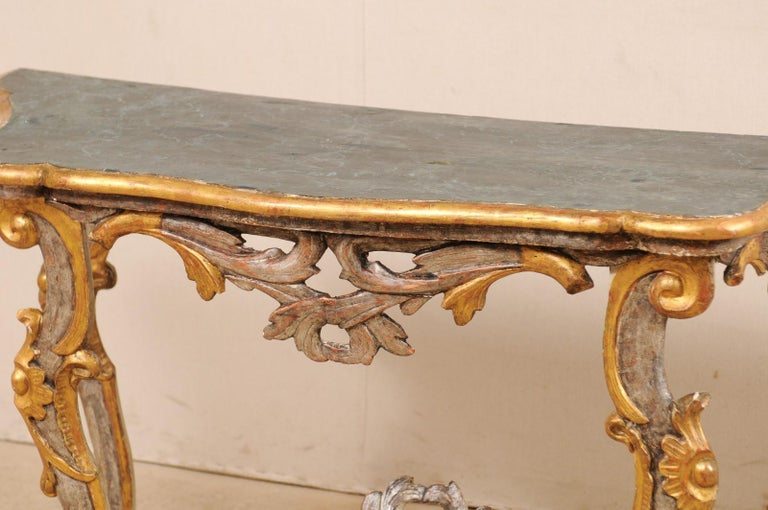 Exquisite 19th Century Italian Carved and Giltwood Console Table For Sale 5