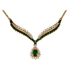 Exquisite, 5 Carat Emerald and Diamond Yellow Gold Necklace