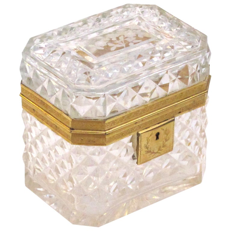 Exquisite Antique Baccarat Diamond-Cut Crystal Vanity Box For Sale