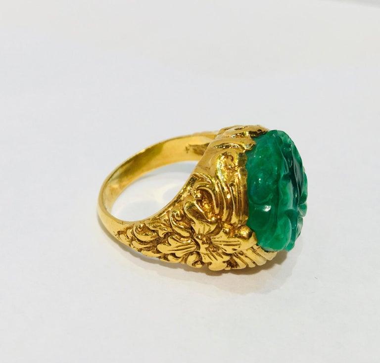 Exquisite Art Deco 12 Carat Jade Carved Flower Apple Green Jade 22 Karat Ring For Sale 5