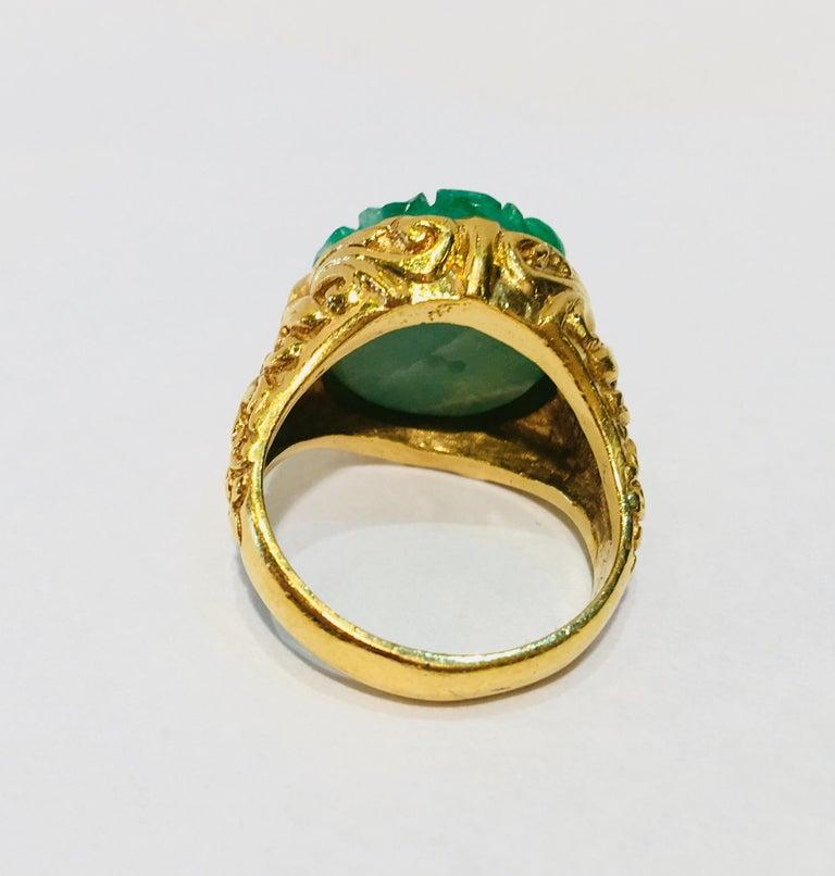 Exquisite Art Deco 12 Carat Jade Carved Flower Apple Green Jade 22 Karat Ring For Sale 7