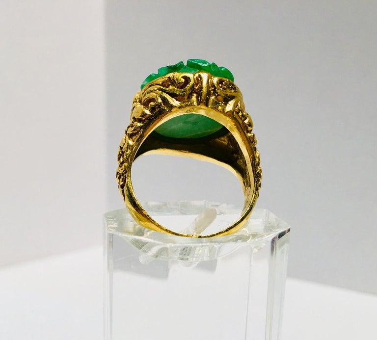 Women's Exquisite Art Deco 12 Carat Jade Carved Flower Apple Green Jade 22 Karat Ring For Sale