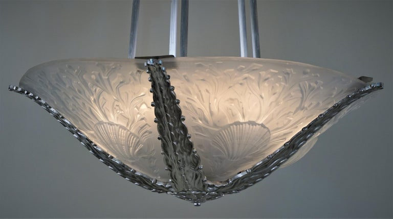 Exquisite Art Deco Chandelier by Muller Freres For Sale 4
