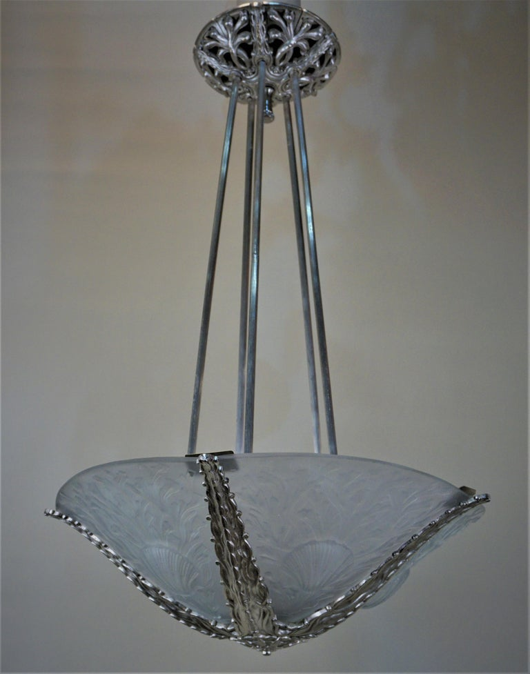 Exquisite Art Deco Chandelier by Muller Freres For Sale 5