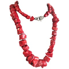 Exquisite Chunky Coral Necklace, Great Color And Proportion. Iris Apfel Style.