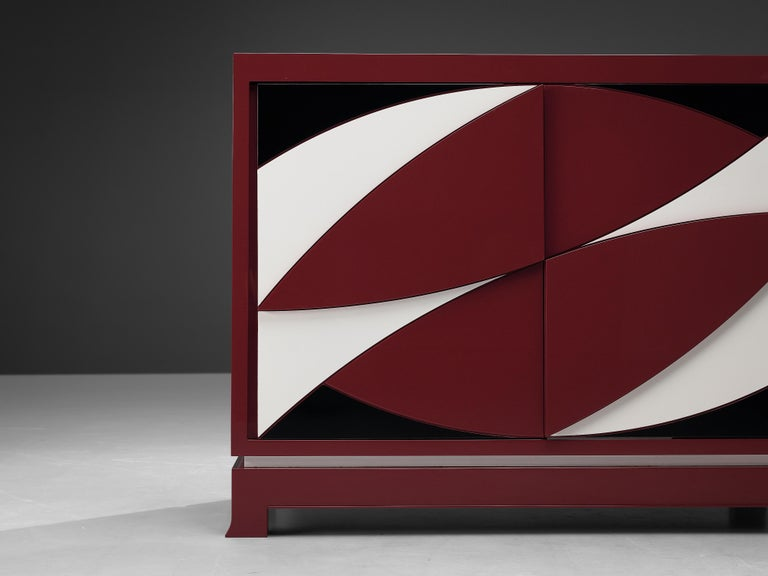 Exquisite Emiel Veranneman for DeCoene Decor 'Stereo' Sideboard in Magenta In Good Condition For Sale In Waalwijk, NL