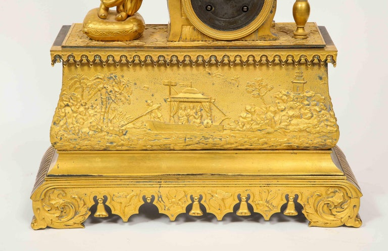 Exquisite French Charles X Ormolu Chinoiserie Figural Table Clock In Good Condition For Sale In New York, NY