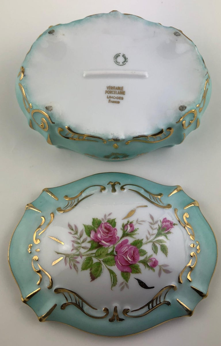 Porcelain Exquisite French Limoges Hand Painted Gold Trim Trinket or Jewelry Box For Sale