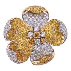 Exquisite Graff 16 Carat Fancy Yellow White Diamond Gold Platinum Flower Brooch