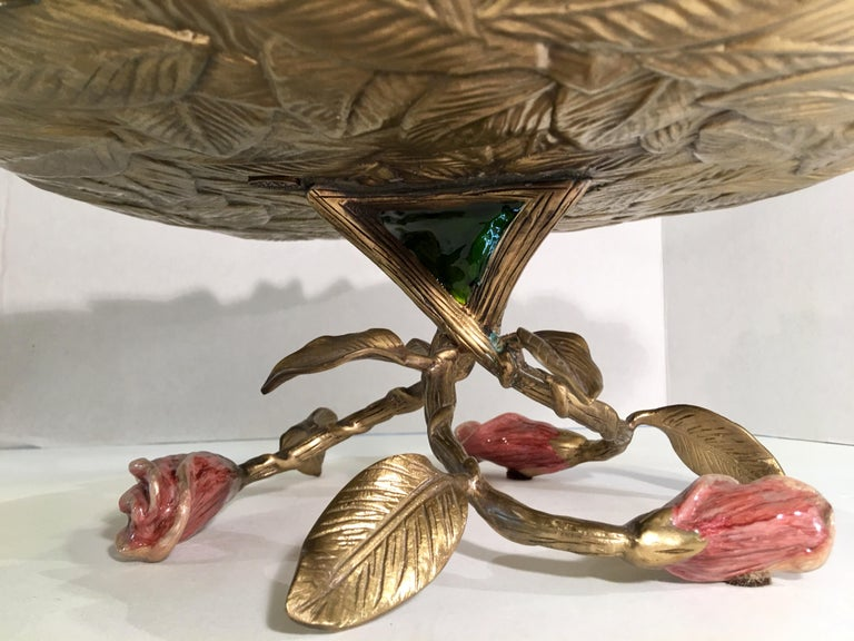 Exquisite Jay Strongwater 3 Roses and Leaves Enameled Metal Compote Cake Holder For Sale 4