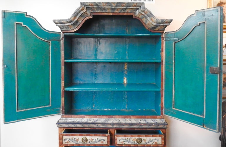 Exquisite Late 18th Century Scandinavian Painted Wardrobe For Sale 14