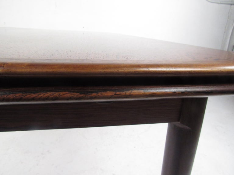 Exquisite Midcentury Danish Rosewood Draw Leaf Dining Table For Sale 5