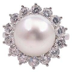 Exquisite South Sea Pearl and Diamond Platinum Ring 2.50 Carat