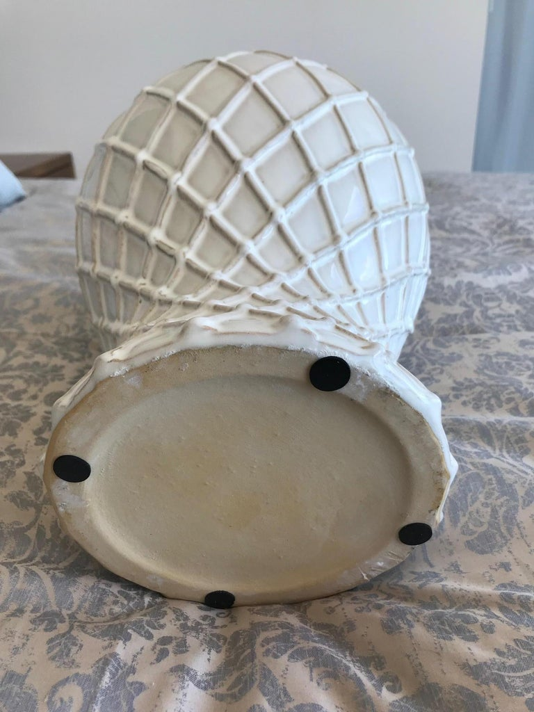 Exquisite White Ceramic Lidded Urn Vase with Lattice Design, Italy For Sale 4