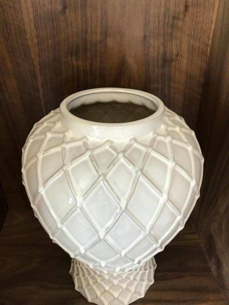 Exquisite White Ceramic Lidded Urn Vase with Lattice Design, Italy For Sale 3