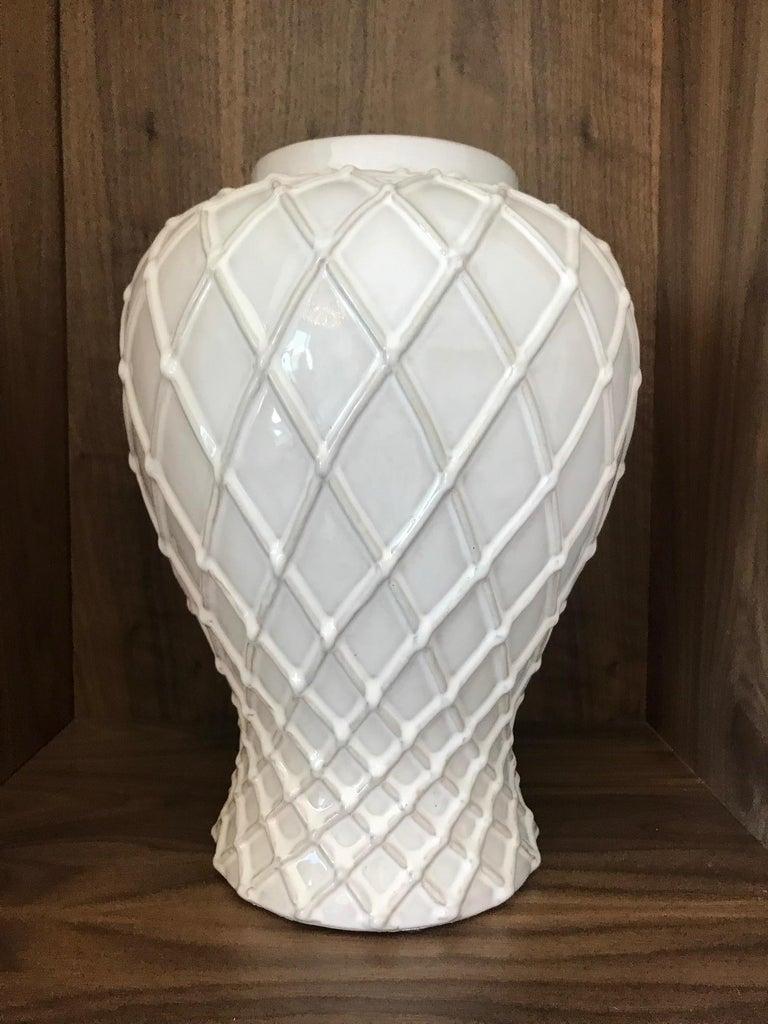 Italian Exquisite White Ceramic Lidded Urn Vase with Lattice Design, Italy For Sale