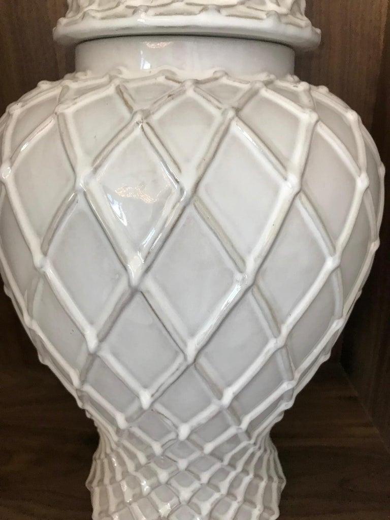 Exquisite White Ceramic Lidded Urn Vase with Lattice Design, Italy For Sale 2