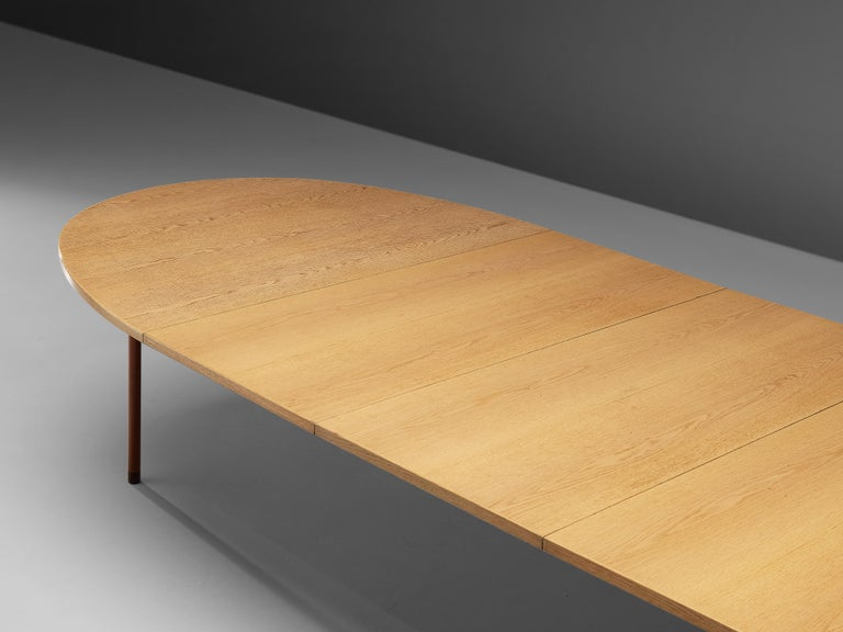Scandinavian Modern Extendable Danish Dining Table in Oak with Red Metal Legs For Sale