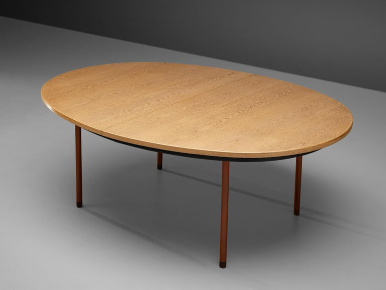 Extendable Danish Dining Table in Oak with Red Metal Legs For Sale 2